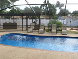 sudbury-fiberglass-swimming-pool-barrier-reef-outdoor-shelter-2