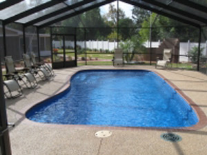 sudbury-fiberglass-swimming-pool-barrier-reef-outdoor-shelter